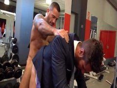 Fucking in the Gym - for bareback fucking go to www.malemuscleshow.com