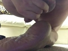 Cumming on my sexy wrinkled sole