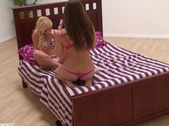 Dani wakes up Vanessa for some sexy lesbian fun