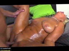 Regie  Mature & MILF HD Porn