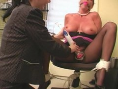 Secretary tied and vibed