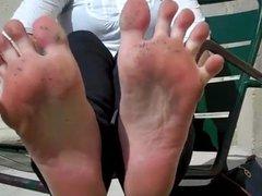 kate dirty feet