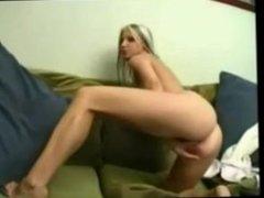 webcam sarah playing