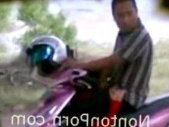 Indonesian ngintip cewek blowjob