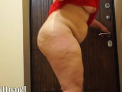 fat woman with a big ass, pissing