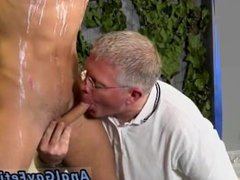 Videos porn gay xxx gratis Mark is such a uber-sexy youthfull man, it's