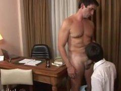 Putito argentino cogiendo con su profesor