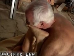 Amateur cuckold slut Gorgeous platinum-blonde Tina is highly busy at the