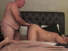O4M - Dating a hot daddy bear