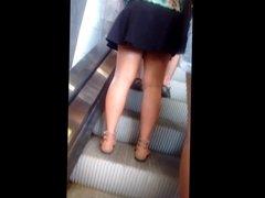 Gostosas na escada rolante