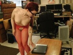 Ludella Hahn Buttcrush laptop & coffee table break