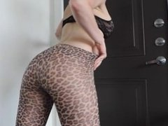 pawg tease in leopard print