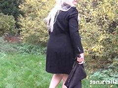 Blonde amateur babe Jakki nude in public and flashing girl