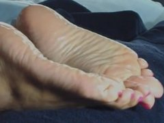 Oiled wrinkled soles