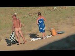 Nude couple on the beach - hidden cam