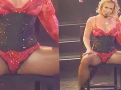BRITNEY SPEARS LEGS SPREAD WIDE OPEN