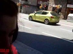 FULANAX.COM - Nicole Wild ligando en plena calle
