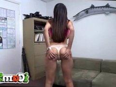 Mia Khalifa Webcam Porn Live Sex Cam With Her at iCam5.Com