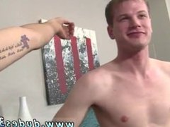 Older nude gay sexy man Tory climbs on top of Zaden and cautiously
