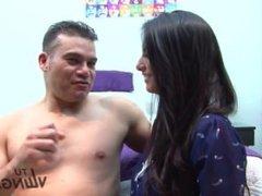 FULANAX.COM - Latina morena Penelope Perez recibie una corrida en la boca