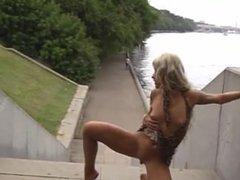 Barefoot Valeria Moscow Public Slut on 4xcams.com