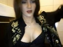 Drunk Babe Pees on Cam