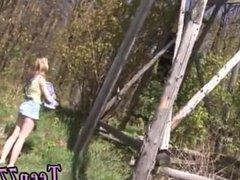 Double teamed teens Abby deepthroating man rod outdoor