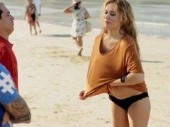 Patricia Conde en bikini - El Chiringuito de Pepe