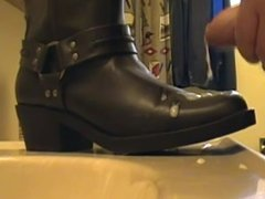 boots flat cum