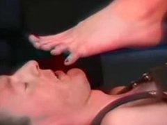 Foot Slave 539