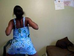 Ebony teen twerking