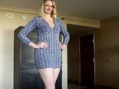 6'5 Karizma Kay Posing