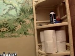 Free gay twink fun movies Unloading In The Toilet Bowl