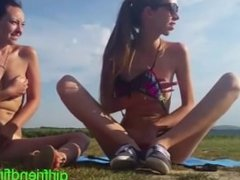 2 hot girls outside squirting