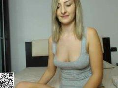 slut dirtykym flashing boobs on live webcam - find6.xyz