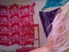 Short haired blonde twerks
