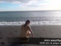 je me masturbe a la plage avant de me faire baiser