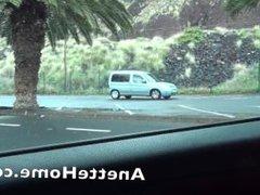 fellation dans la voiture sur le parking en cam direct