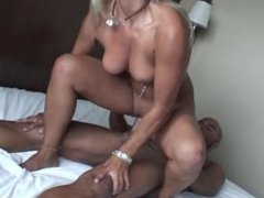 Putalocura Parejitas Nikita y Josh La gogo y el stripper