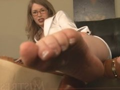 MILF Feet JOI - French Pedicure