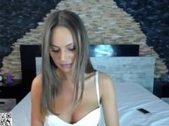 www.find6.xyz babe candeetease masturbating on live webcam
