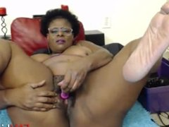 Try to fuck my black phat hairy vagina! I want it!