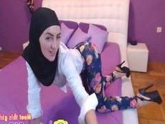 Live Cams: Free Arab & Amateur Porn Video 91