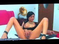 Brunette MILF Masturbating Webcam - PuxxyCams.com