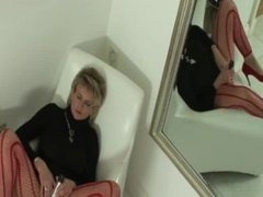 LADY SONIA A quick wank in red tights