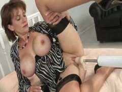 LADY SONIA pounded by the Fuck machine