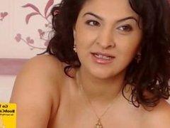 Victoria Show Her Massive Titties on Cam
