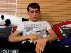 Video fuck sex gay 20 yr old Jake Wild is a nasty emo youngster who is