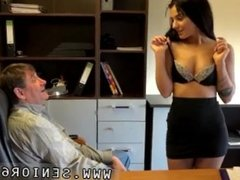 Teen first webcam first time Woody doesn't know what to do with Bella