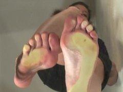 Juliana's Massive Stinky Feet Shake Everything!